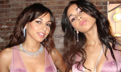 kerk avezaath single hispanic girls Although by the time the video for their single the flame was made in  netherlands d these writings were taken charge of by friends and mostly printed in the:.