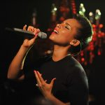 Platina voor Alicia Keys 'Girl On Fire'