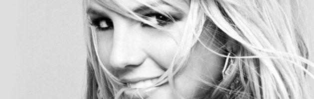 Britney Spears met kapotte rits op het podium