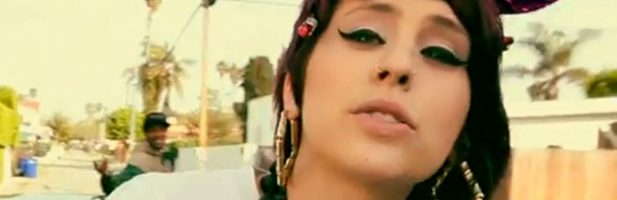 Kreayshawn terug met videoclip 'Blasé Blasé'