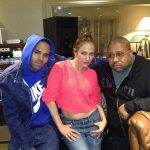 Jennifer Lopez in de studio met Chris Brown