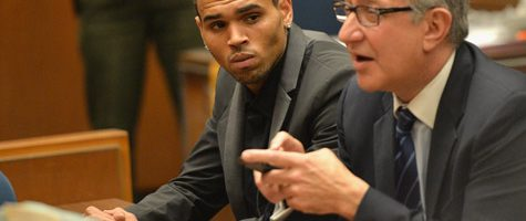 Chris Brown aangeklaagd door Deanna Gines