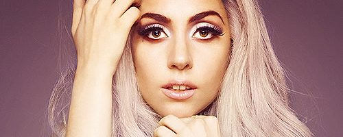 Lady Gaga brengt video voor 'Applause'