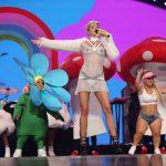 Miley Cyrus gaat weer lekker bij iHeartRadio