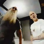 Eminem geeft sneak peek video 'Berzerk'
