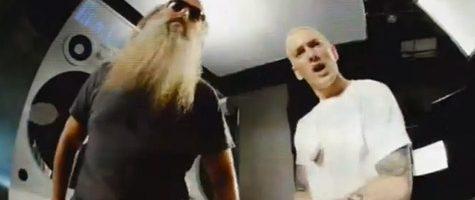 Eminem geeft sneak peek video 'Berzerk'