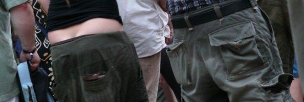 McDonalds weigert bezoekers met afgezakte broek