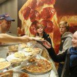 Bezorgers New York Pizza boos op werkgever