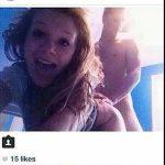 Meisje maakt #selfie tijdens seks