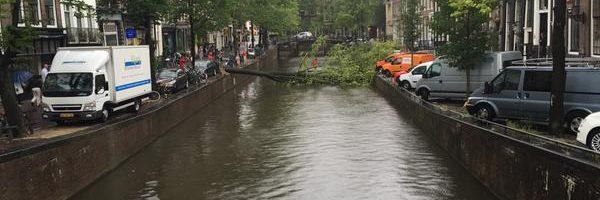 Zware storm legt festivals en openbaar vervoer stil