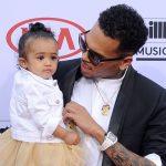 Chris Brown vernoemt album naar dochtertje