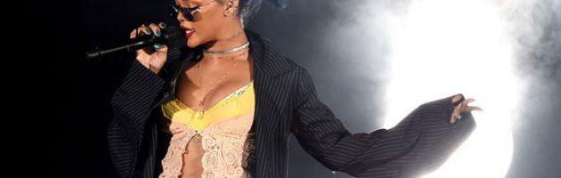 Rihanna ook op het podium van de Grammy Awards