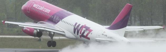 Toestel WizzAir maakt noodlanding op Schiphol