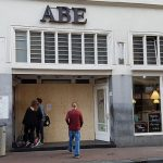 Club Abe weer open; VIP-tafels verboden