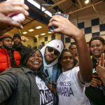 Chris Brown doneert 50k aan school