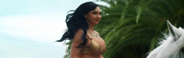 Model naar de rechter om videoclip DJ Khaled