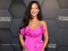 Rihanna hekelt Trump om gebruik van haar muziek