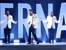 Chance The Rapper doet 'Eternal' live bij Ellen