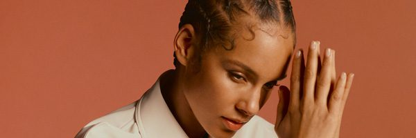 Alicia Keys brengt steun met nummer 'Good Job'