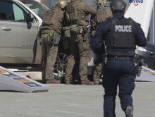 Man vermomd als agent doodt 17 mensen in Canada