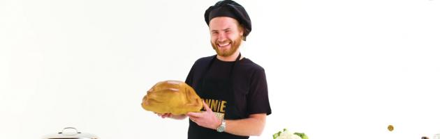 Rapper Donnie maakt vegan kookshow 'Donnie aan de kook'