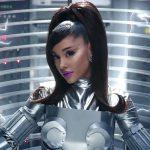 Ariana Grande brengt officiële clip 34+35